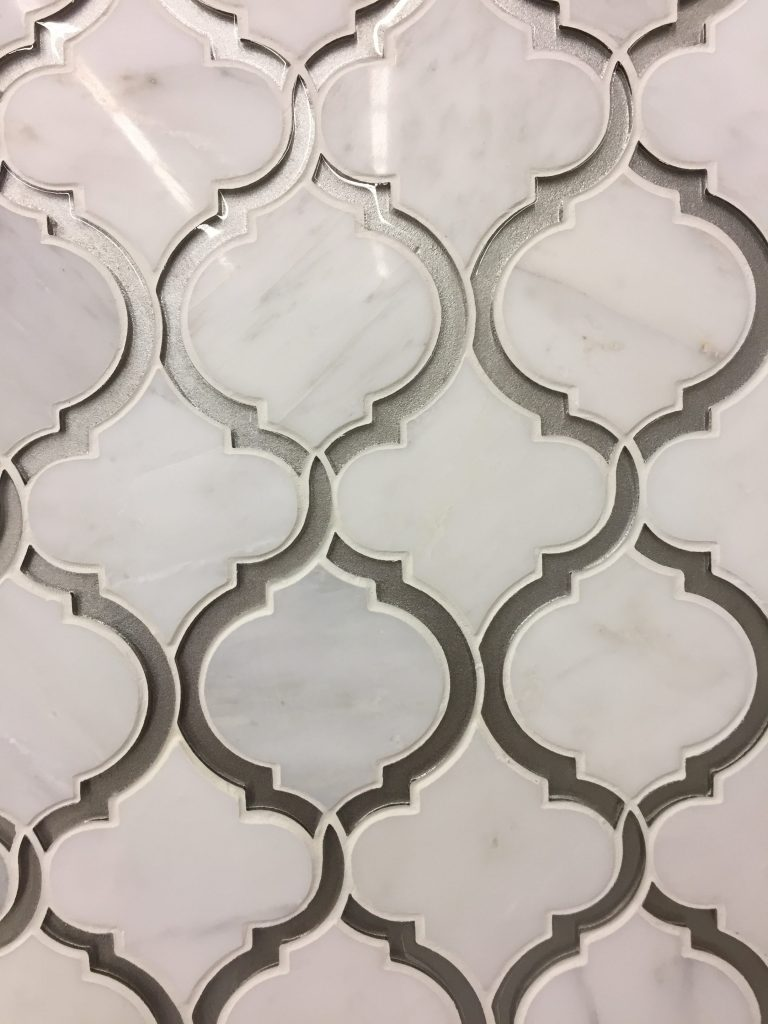 White Marble With Glass Arabesque Artistic Waterjet Mosaic